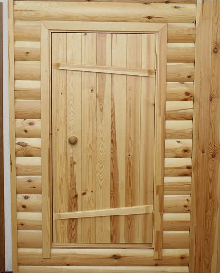 В парную должна вести только деревянная дверь