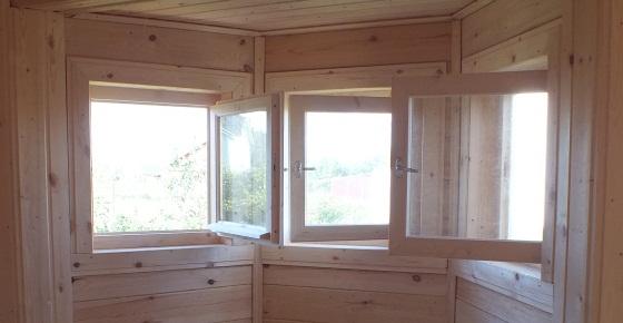 Деревянные окна создаются в бане комфортную обстановку