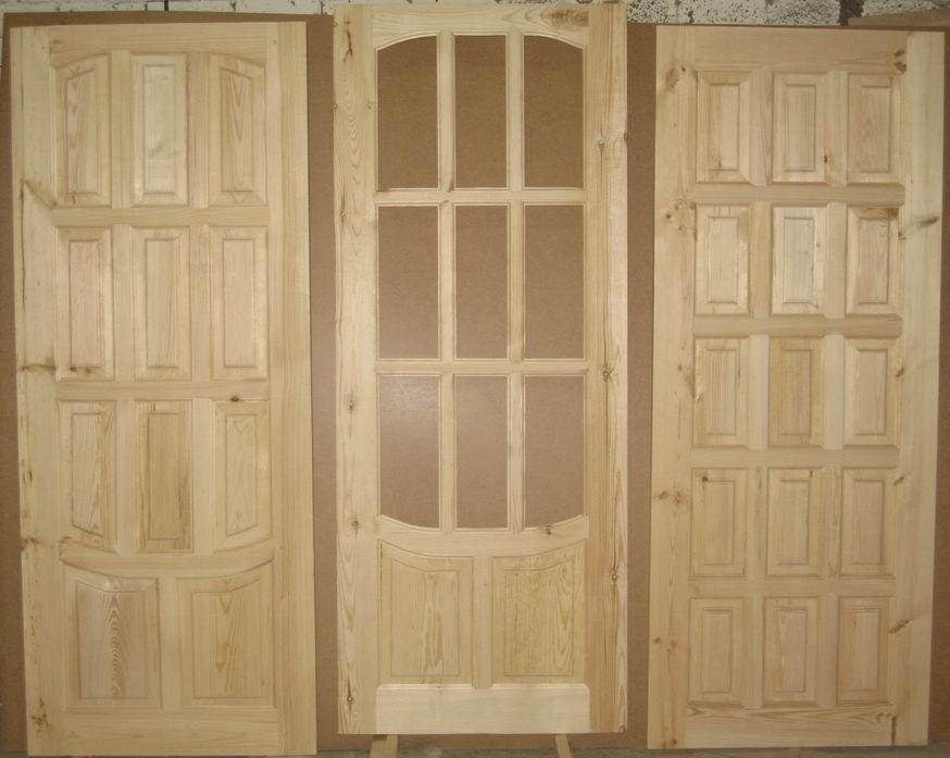 Лучшим вариантом для бани является деревянная дверь
