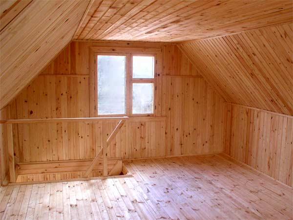 Мансарда под крышей бани