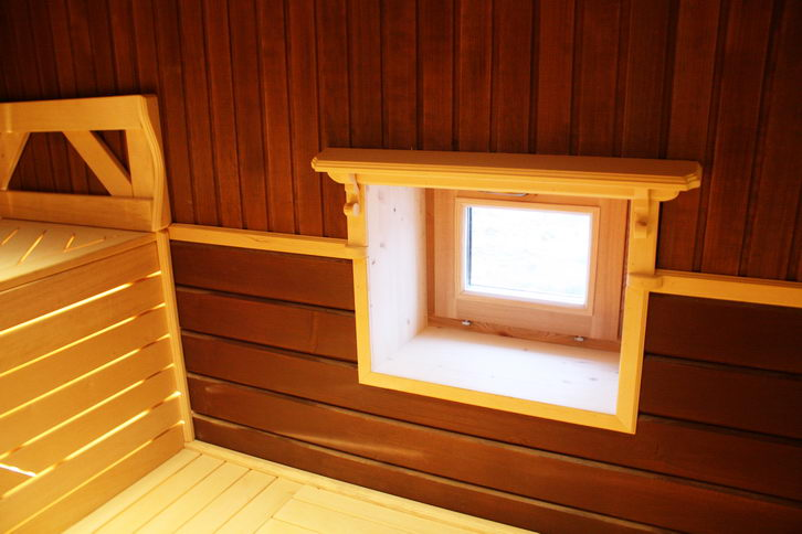 Установить окно в парной не так уж сложно