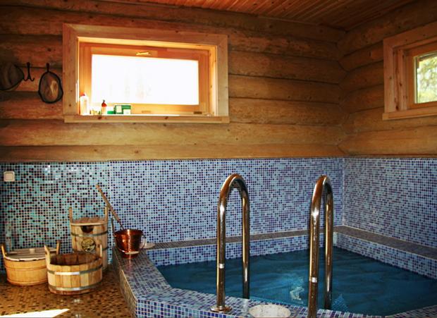какие окна для бани лучше  деревянные или пластиковые