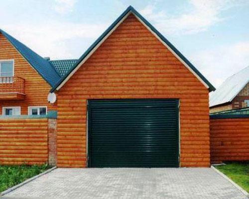 Ворота в гараж, совмещенный с баней
