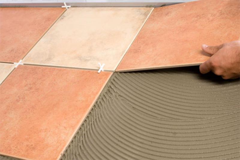 Выбирать следует глазированную плитку для стен бани