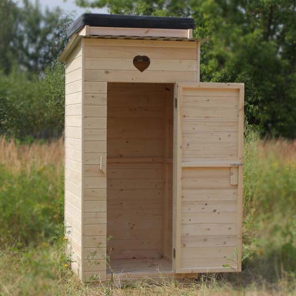 Если на участке недалеко от бани уже есть туалет, то целесообразнее оставить все как есть