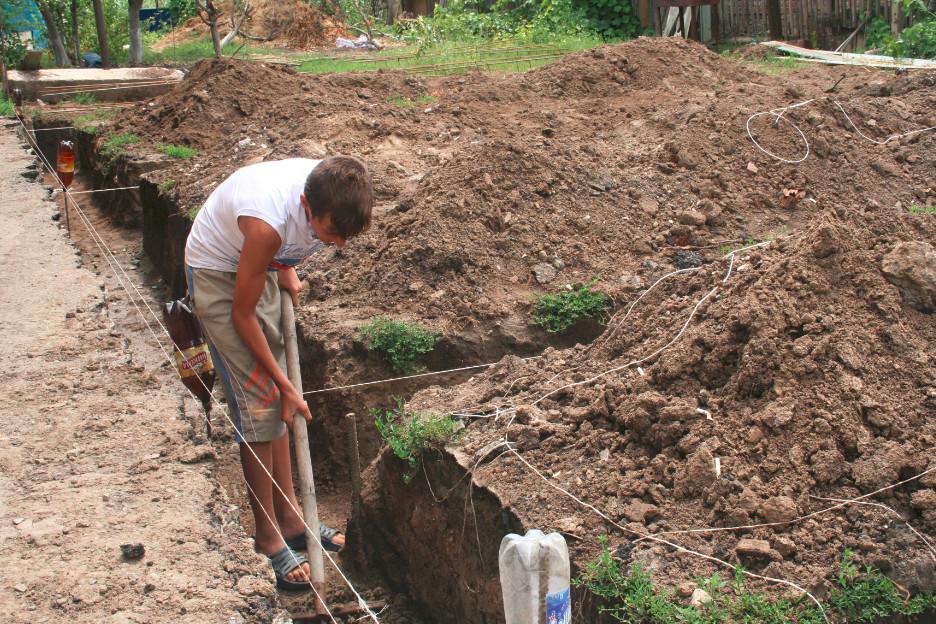 Прежде чем копать надо приготовить необходимые инструменты