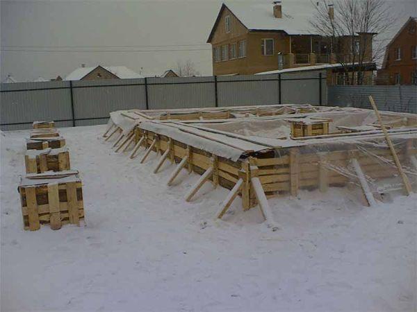 зиливка фундамента для бани в зимнее время