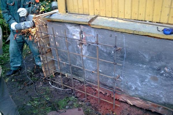 подводка фундамента под кирпичную баню