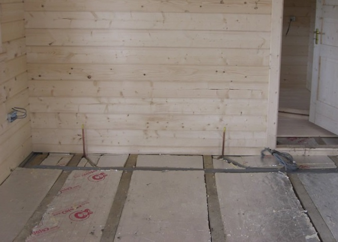 Log-cabin-insulated-floor
