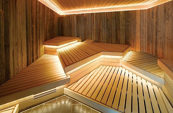 thumbs_92303-404956-LED_tubes_stand_in_for_windows_in_this_sauna_where_walls_are_reclaimed_larch_the_floor_is_linden_and_the_ceiling_hemlock_fir_.jpg.1064x0_q90_crop_sharpen